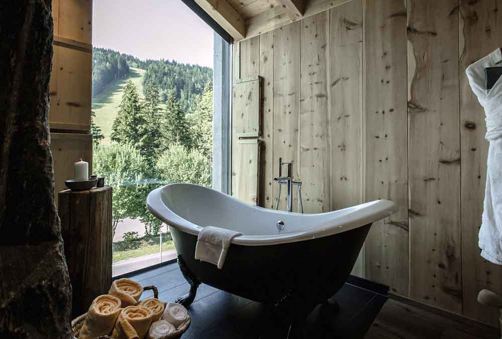 14 fantastic winter retreats in the alps for boutique for Design boutique hotels in austria